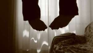 suicidio-crisi-impiccato