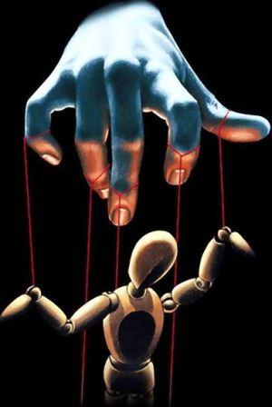 marionetta-10x15-mano