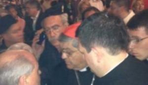 napoli-cardinale-processione-interrotta