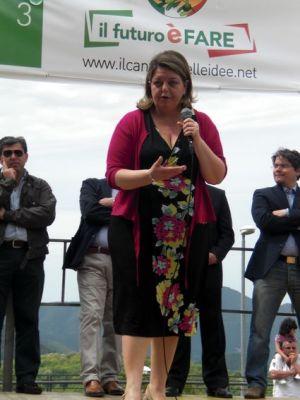 Sibillo+Raffaella-11x15-comizio-0505-57