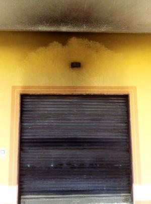 Limatola-11x15-macelleria-incendiata2