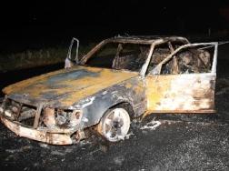 auto-incendiata6