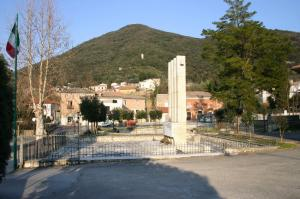 Roccaromana_largo_ponte