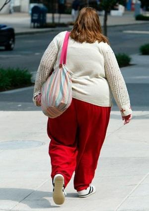 donna-grassa-spalle