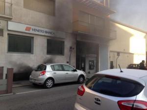 Pompieri-banca5
