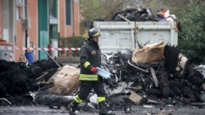 Prato.resti-.incendio+pompiere1