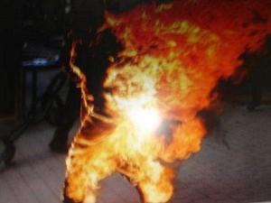 uomo-si-da-fuoco-2