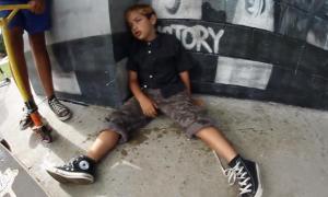 bambino-ubriaco-drogato