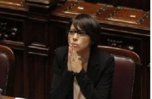 De-Girolamo-camera-occhiali