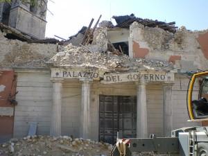 LAquila-palazzo-del-governo-terremotato