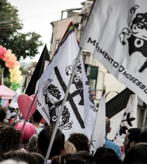 Movimento-Omosessuale-Sardo-Bandiere6