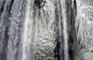 Niagara-cascate-ghiacciate2