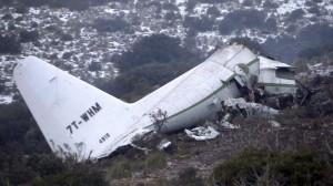 Algeria-aereo-militare-cade-103-a-bordo-102-morti-7