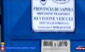 napoli-15x9-revisioni+auto-carabinieri-1