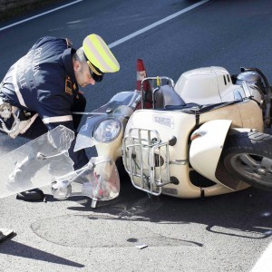 scooter-incidente-vigile-1