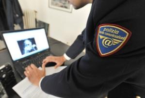 esco-post-polizia-postale-11