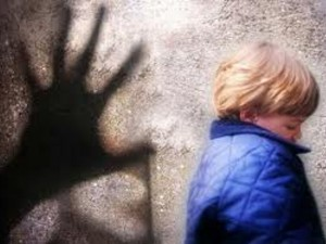 abusi-bambin-asilo-3