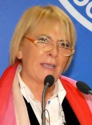 de+simone-anna-sindaco-ricandidata-roccaromana-1
