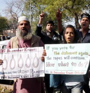 india-ragazze-stuprate-e-uccise- 2
