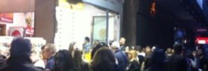 negozio-inaugurato-folla-1