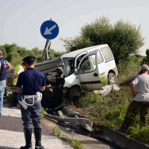 polizia-incidente-furgone-1
