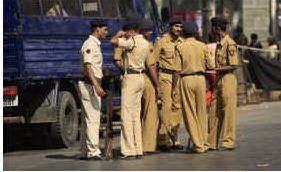 poliziotti-indiani