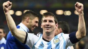 argentina-messi-esulta1