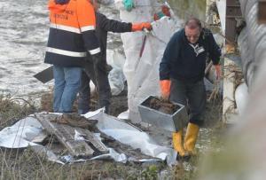 Maltempo: Genova; crolla cimitero, trovate ossa nel torrente