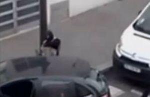 parigi-polizia-15x10-scappa-frame-1