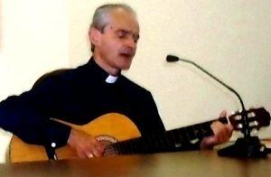 aiello+arturo-15x10-vescovo+chitarra-0