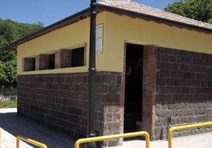 lavatoio-15x10-esterno-rocca-2