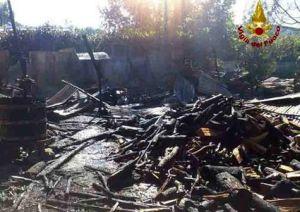 legname-15x10-incendio-pompieri-1
